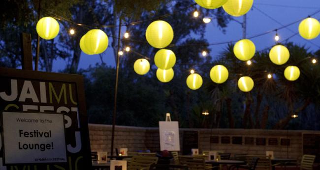 Festival-Green-Globes